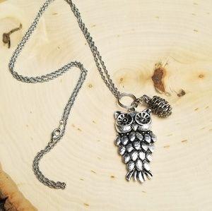 Adorable Silver Tone Owl Pendant Necklace